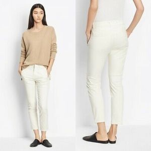 Vince Natural Classic Crop Chino